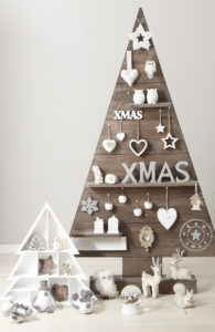 alternative-christmas-tree-white-letters
